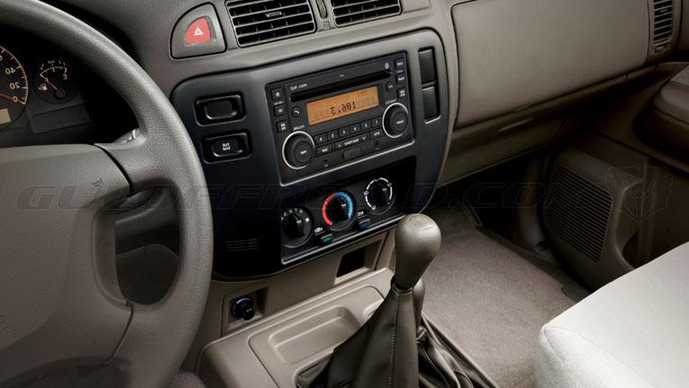 Nissan Patrol GR Y61 Safari Pick Up Interior
