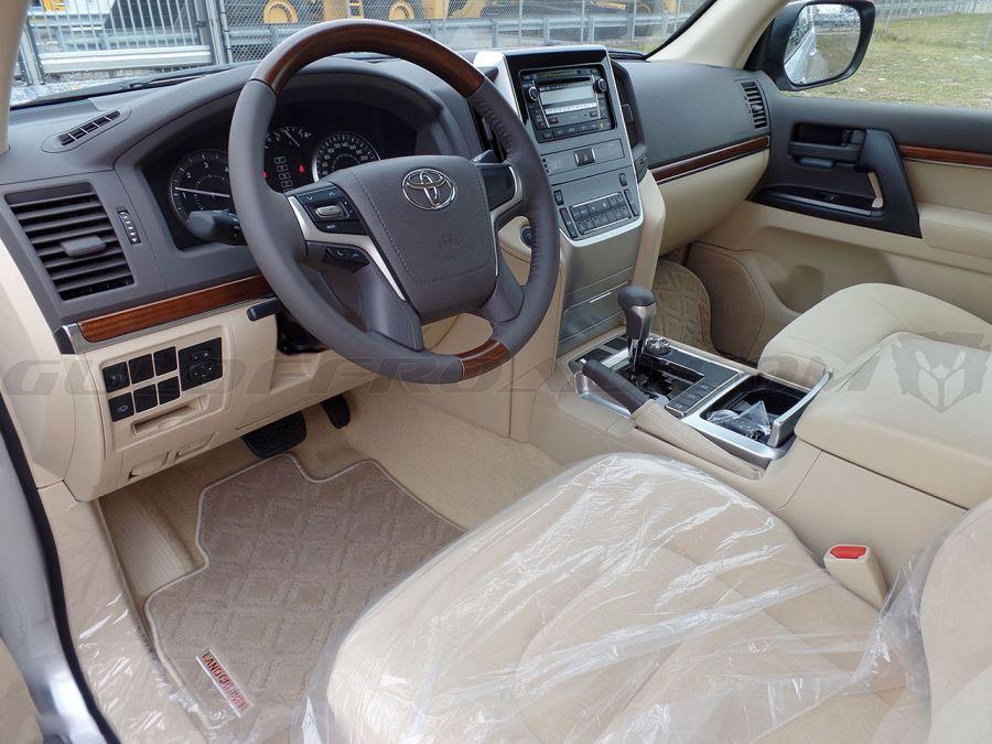 Flotas Toyota LandCruiser 200 GXR 4.5 V8 Diesel