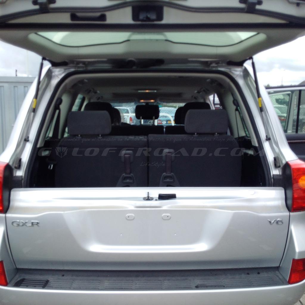 Portón Trasero Partido Toyota LandCruiser 200 GX