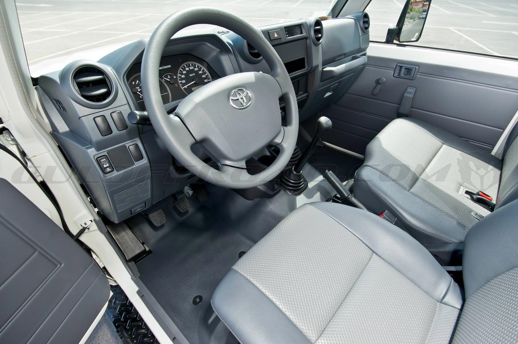 Toyota LandCruiser HZJ79 Pick Up Doble Cabina